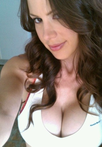 McKenzie Lee is performing live cam shows now 3 days a week here.