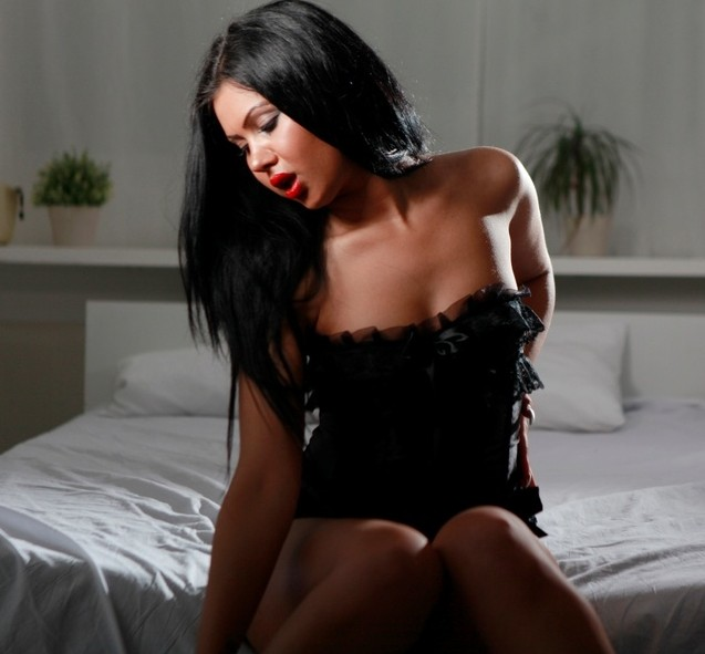 OneHornyLatina is a sultry latin cam girl! THAT MEANS NASTY FUN. :-)